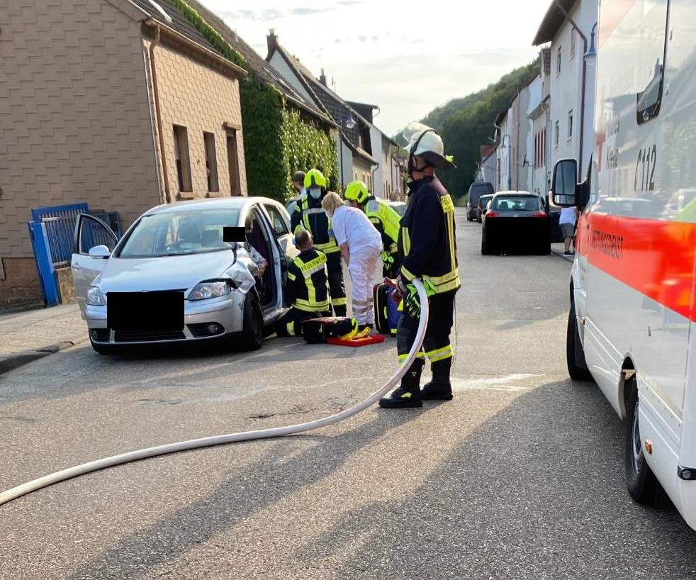 Verkehrsunfall PKWs Zweibrücker Str. in Thaleischweiler-Fröschen